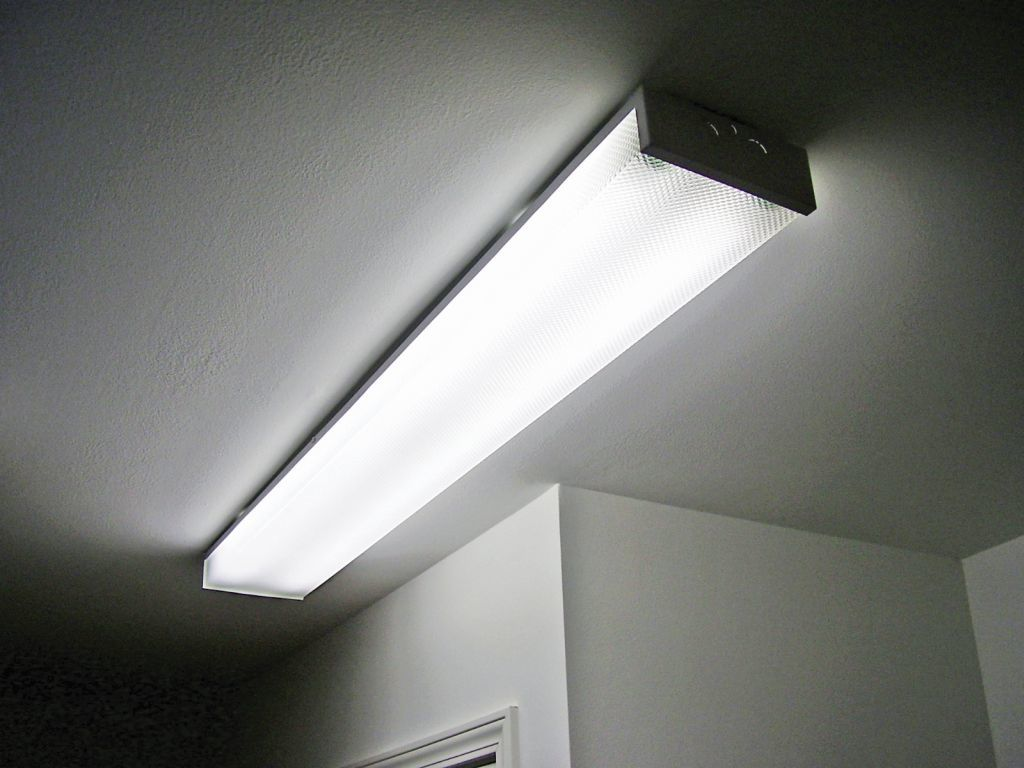 Surface Mount Fluorescent Light Commodore Of Indiana