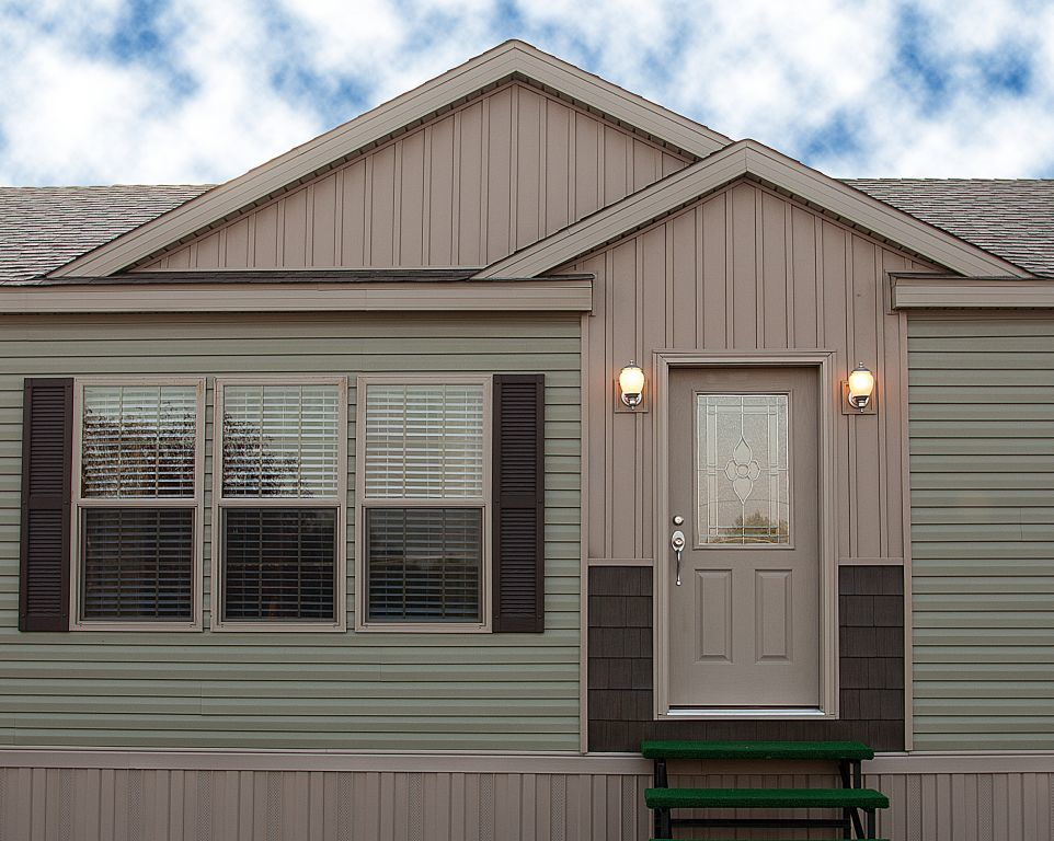 Siding colony homes for Vertical siding options