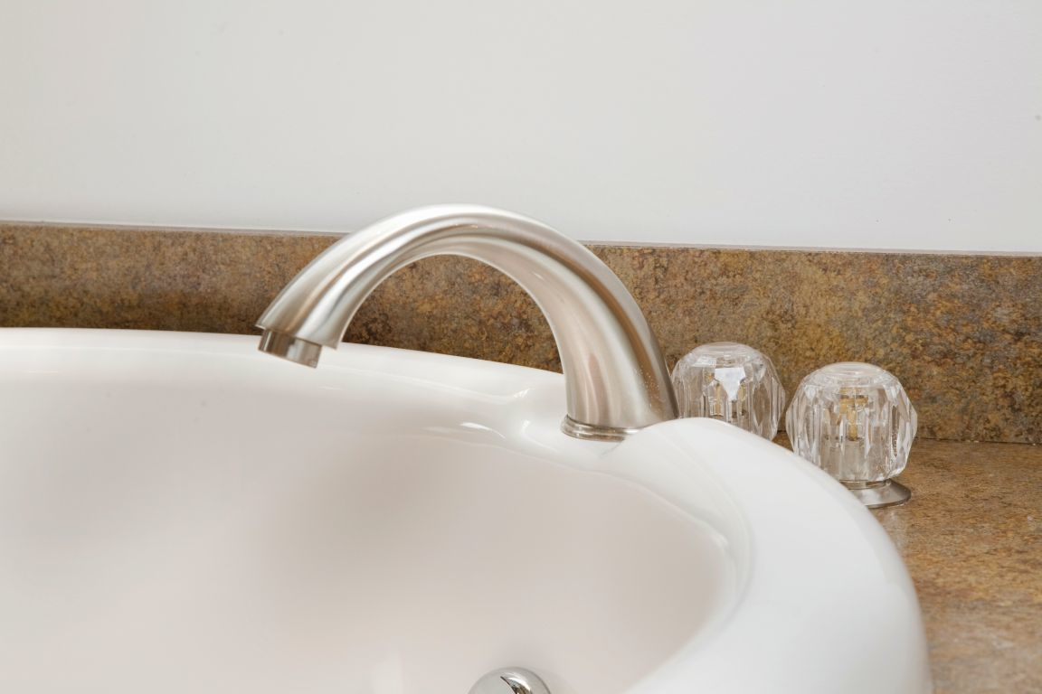 Huntington Brass Faucets | R-Anell Homes