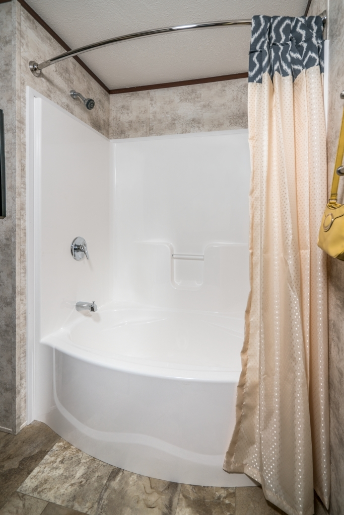 Showers and Tubs | Colony Homes